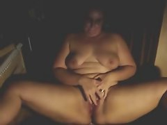 Fatty Experienced rubbing to an orgasm