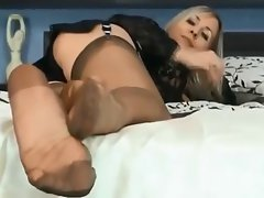 Posh LADY IN RHT NYLONS