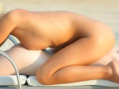 Shocking outdoor massage of lewd actresses
