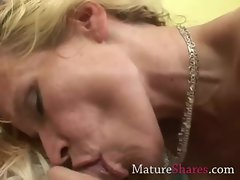 Amateur Mommy licking pornstar prick