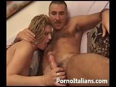 Moglie Italiana pompino dopo cena - Italian dirty wife cock sucking after dinner