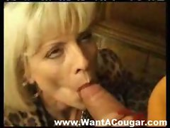 Buxom cougar wants to fuck
