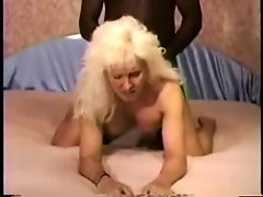 Attractive cougar in heels fuck BBC