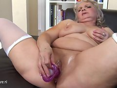 Older but still filthy Granny and her petite vulva