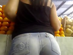 AMAZING Butt IN Tense JEANS...
