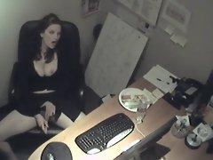 Lonely Secretary Bangs Herself With Carrot