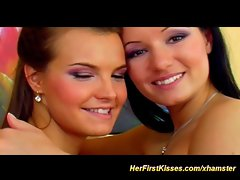 seductive 18yo first lesbo experience