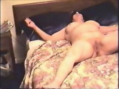 amateur cuckold cougar gets impregnated on cam!!