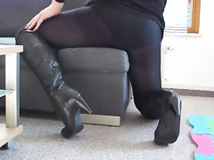 Transgender in Pantyhose and Boots