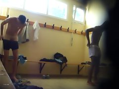 Two filthy fellows nude in the lockerroom