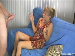 Randy Slutty mom Gets A Cumblast