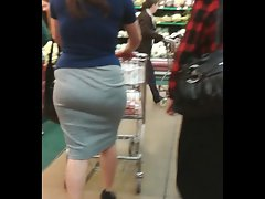 Cougar with fabulous bum at HEB Store
