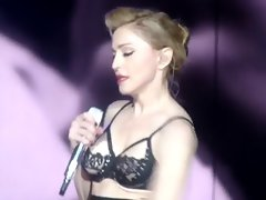 Madonna flashes Bum in concert at Rome