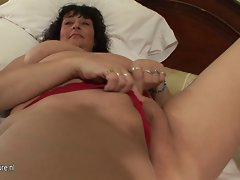 Buxom attractive mature mothers going to accept 19 years old penis