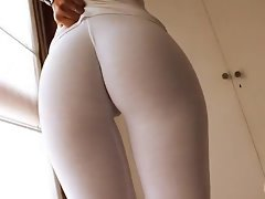 Lovely Latina Body! Wetting Her White Yoga Pants! Cameltoe