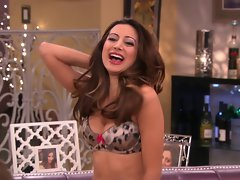 Noureen DeWulf - Anger Management s2e24