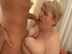 Banging an Experienced and Fatty Granny