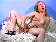Stunning tempting blonde plays with her shaven vagina