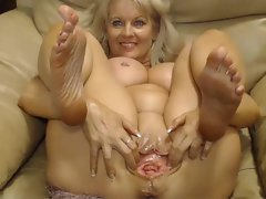 Webcam - Chesty 47 year experienced bitch with big muff teasing