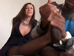 English Cougar Lara love a BBC.