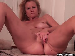 Chesty soccer stepmom needs a masturbation break from housework