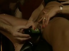 Amateur - German Housewifes Group Party with Bottling