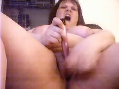 Big beautiful woman diddles her clit to an orgasm 2