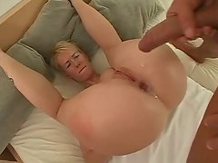 german blondie likes it in her good dirty ass