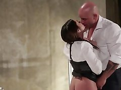 Brunette is overwhelmed by the big bald bloke and wants to fuck him