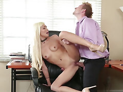 Tall worker fucks boss' adorable stepdaughter in office