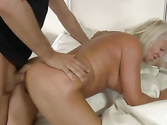 Old Euro filth wants cock deep in her arse