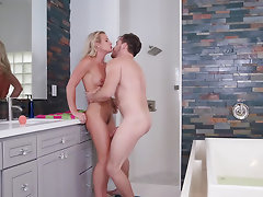 Blonde honey chooses to do it with man in the bathroom