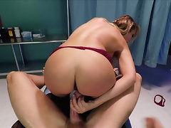 Big-boobied anesthesiologist gets off on patient's dick in cunt