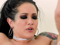 Porn star Jade works two boners in dirty gonzo porn clip