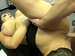 Insidious brunette seduced buddy for a hot sex